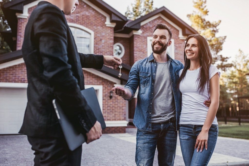 Buying a house from an agent